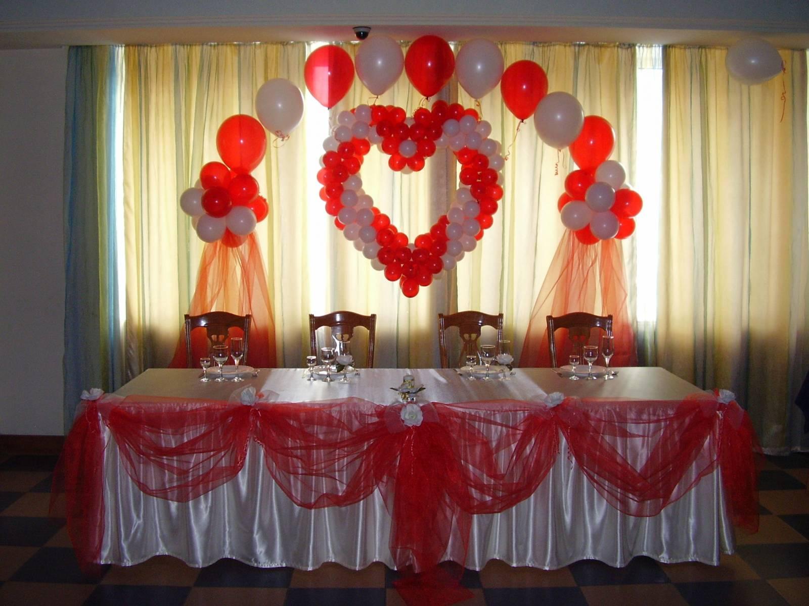 Как украсить стол своими руками на свадьбу